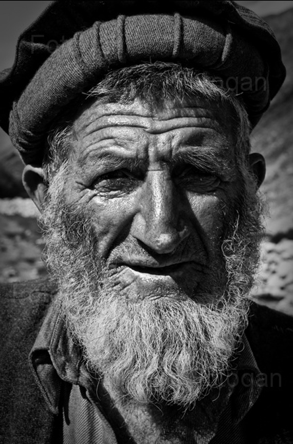 happy old man The Real Beauty of Pakistan by Furqan Riaz