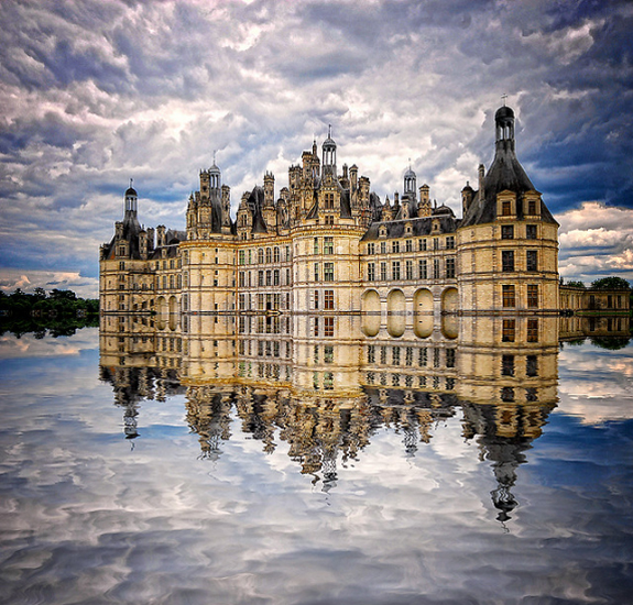 Amazing Photos of Mirror and Reflection Photography 33