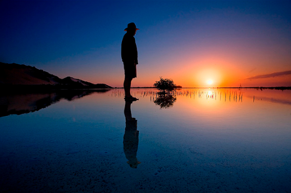 Amazing Photos of Mirror and Reflection Photography 37