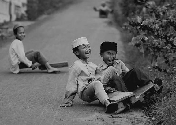 Launghing Kids Street Photo