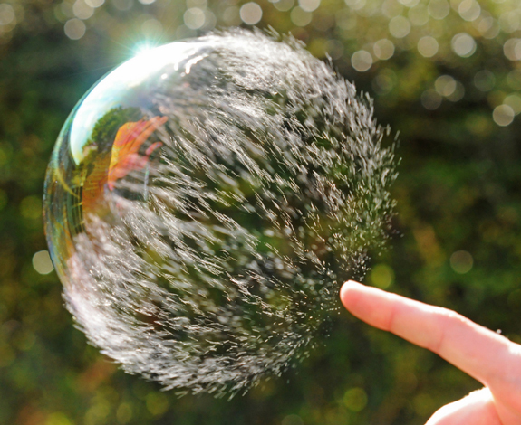Popping Bubbles - Interesting Pictures